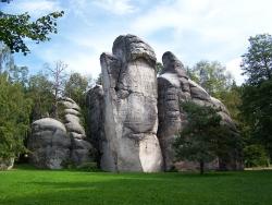 Malebná krajina Adršpachu láká turisty na příjemnou dovolenou
