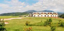 Oblast východních Krkonoš zve na příjemnou dovolenou s golfovým hřištěm přímo u resortu