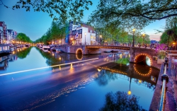 Krásy holandského velkoměsta protkaného romantickými vodními kanály máte možnost poznat i vy
