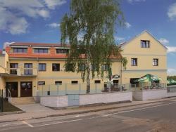 Nově zrekonstruovaný Penzion a Restaurace Šimanda vás zve na několik příjemných dní